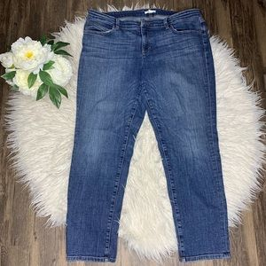 • Eileen Fisher Mid Wash Capri Blue Jeans •